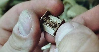 Photo of Ovde je najmanji V8 motor na svetu (i napravljen je od drveta)